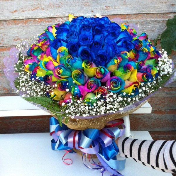 99 stems roses bouquet(blue and rainbow) - flower Expressions